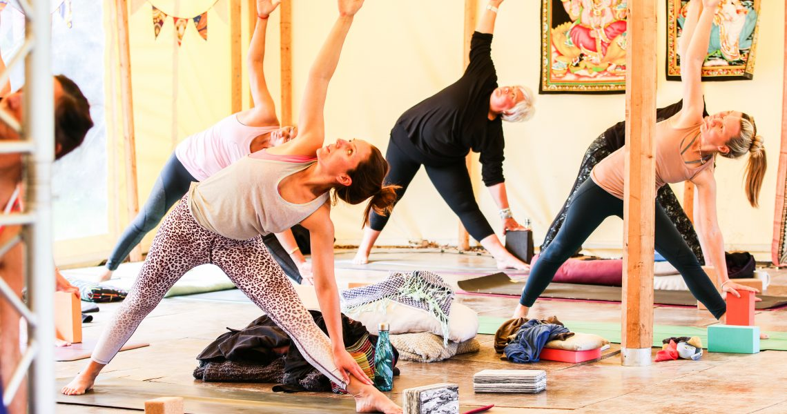 We understand that booking your first yoga class can be daunting, so we have created this beginners guide to yoga so you can feel prepared.